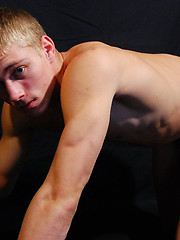 Sporty twink poses with his sexy underpants off