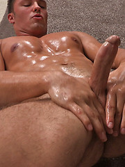 Sexy muscled jock Grayson jerking off