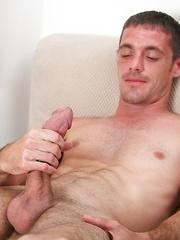 Hung hottie Brett Bradley