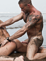 Jake Genesis Fucks Jesse Santana on the Beach