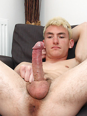Blonde Boy Will Arrives To Wank. Will Redcliffe