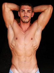 Meet 28 years old Alessandro Basile: ripped, hung, masculine